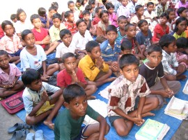 India Children slum school